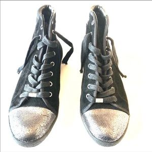 Delman black leather and suede sneakers sz9